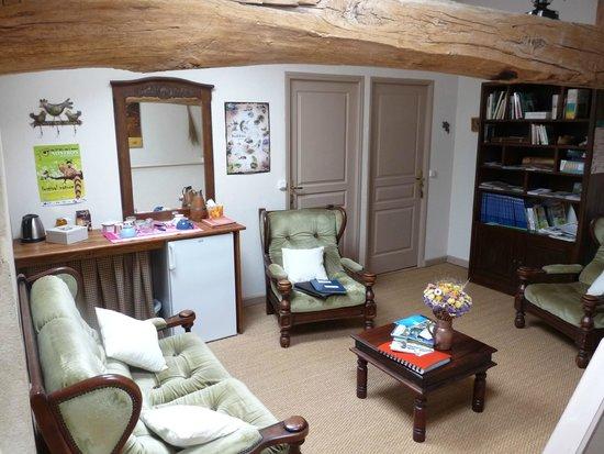 La Couade : salon réservé aux hôtes