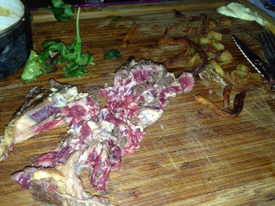 """Restaurant la Place: Ma viande, appelée """"normale"""" selon le patron et """"choisie par ses soins"""""""