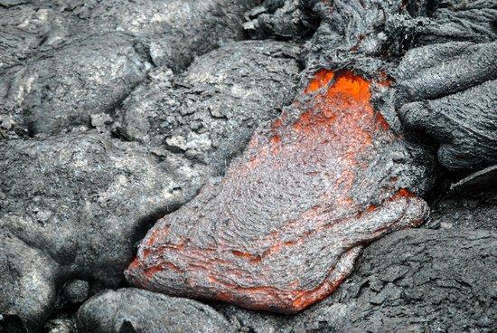 Volcano Fern Forest Retreat : coulée de lave au volcan p'u'u'o'o faite avec Lava ocean adventure