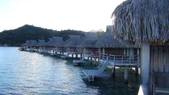 Conrad Bora Bora Nui : Over the water bungalows facing west