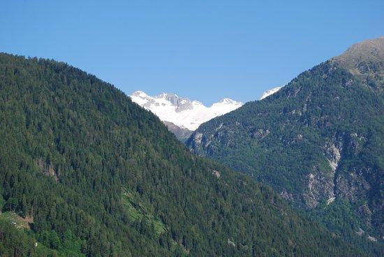 Bellavista Hotel: cime Adamello, valle Genova