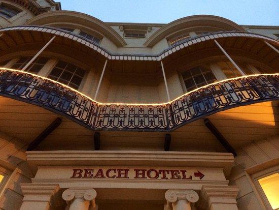 Beach Hotel: Fachada