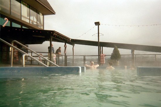Ainsworth Hot Springs Resort : From the pool toward the lake