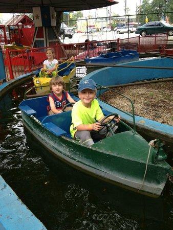 Kiddie Park: Boat fun!