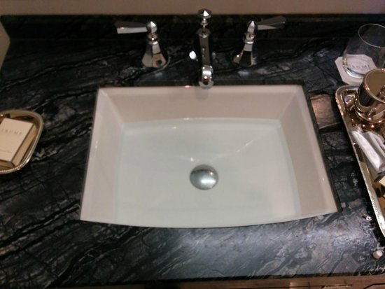 The Adelaide Hotel, Toronto: This is the sink just as in. The drain stop wont stay down on its own.