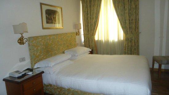 Hotel Cortina: Habitación