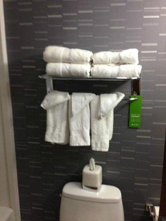 Hampton Inn Manhattan - Madison Square Garden Area : clean linen