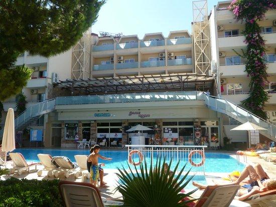 Cle Resort Hotel: hotel