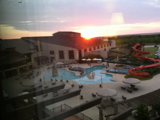 Great Wolf Lodge Grapevine : View from room 6076