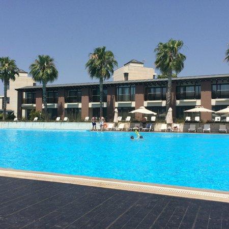 Hotel Nikopolis Thessaloniki: Бассейн