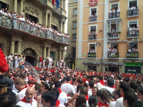 Ayuntamiento: San Firmino Plaza Consistorial