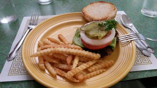 Ariston Cafe: Classic burguer