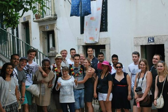 Lisbon Chill-Out Free Tour : with a resident of alfama