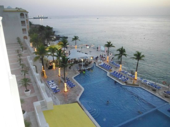 Cozumel Palace: Pool