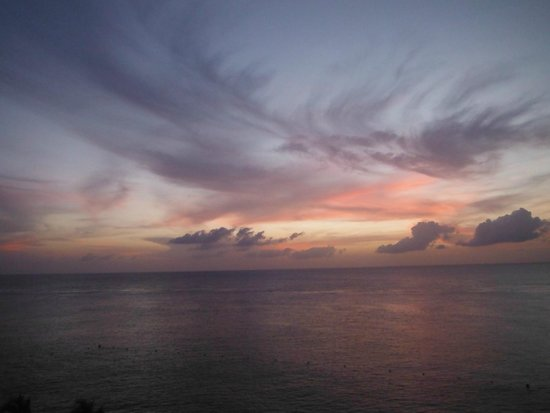 Cozumel Palace: Painted Sky