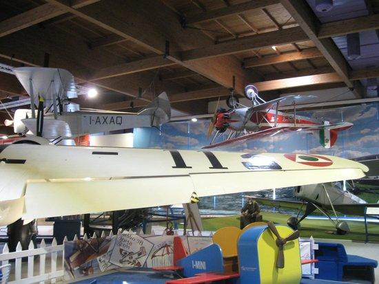 Museo dell'Aeronautica Gianni Caproni : vista interna