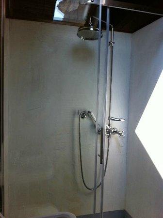 Bellavista Boutique Hotel: chambre 8 la douche