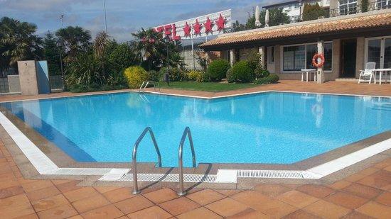 Gran Hotel Los Abetos: Piscina