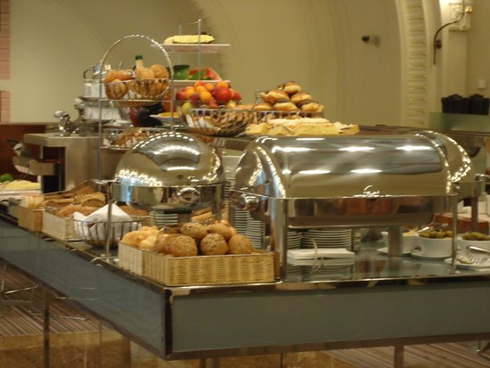 K+K Hotel Central: Delicious breakfast buffet