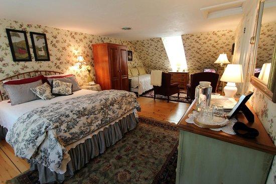 Buttonwood Inn on Mount Surprise: Room 6