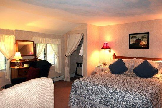 Buttonwood Inn on Mount Surprise: Room 7