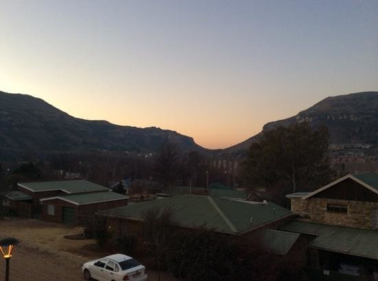 Protea Hotel Clarens: view towards Betlehem from Protea Hotel