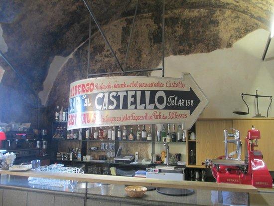 Castel Pergine : il bar prima del ristorante