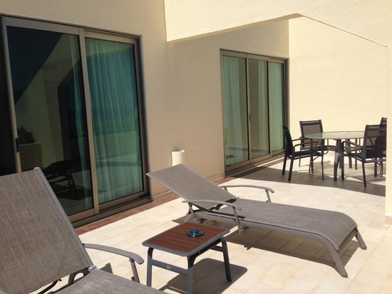 Live Aqua Beach Resort Cancun: huge terrace.