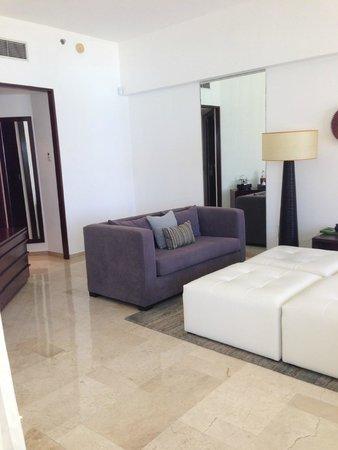 Live Aqua Beach Resort Cancun: Living area plus a 2nd half bathroom