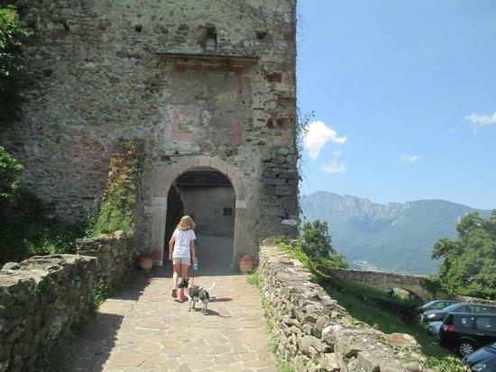 Castel Pergine : entrata del Castello