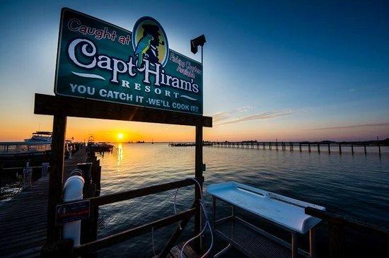 Capt Hiram's Resort: Welcome to Capt Hiram's