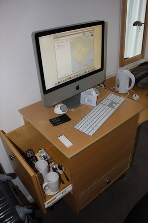 DoubleTree by Hilton London - Westminster: imac + kit the