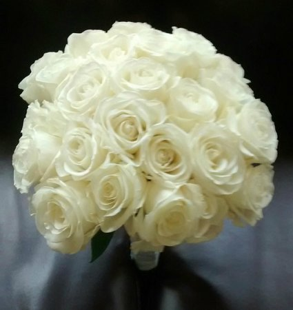 Always & Forever Weddings and Receptions : 24 Rose Bridal Bouquet Classic White from www.weddingwire.com/MyBouquet