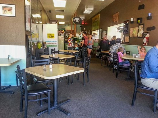 Amangela's Sandwich and Bagel House: Just inside restaurant with ordering counter short distance ahead