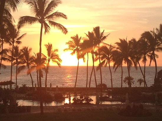 Fairmont Orchid, Hawaii: Sunset from Luana Lounge