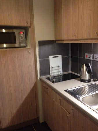 Aparthotel Adagio Liverpool City Centre: Kitchen
