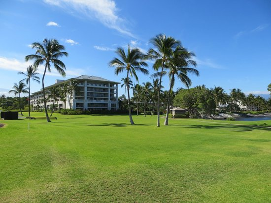 Fairmont Orchid, Hawaii: Hotel grounds