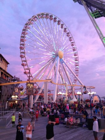 Morey's Piers and Beachfront Water Parks : The Big Ferris Wheel