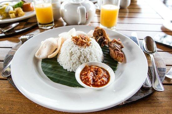 Puri Wulandari Boutique Resort: Breakfast / Tea