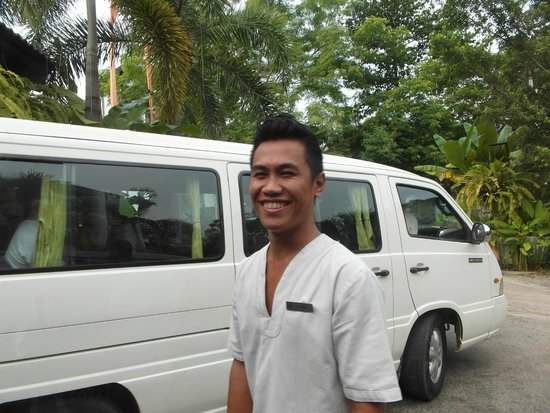 Shinta Mani Resort: staff  are always happy