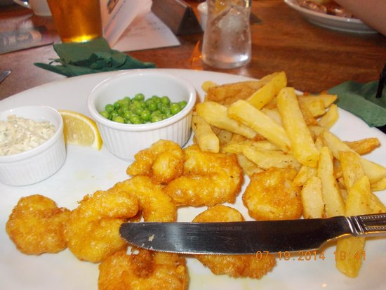 Emmott Arms: homemade scampi meal