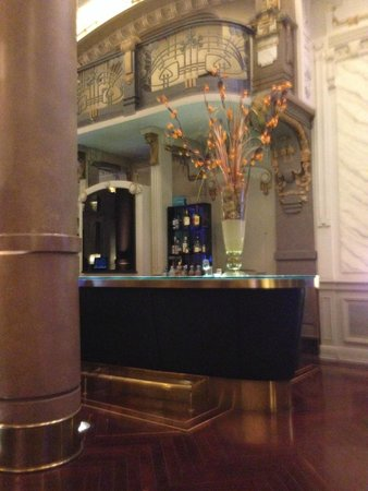 Savoy Hotel: Bar Lounge