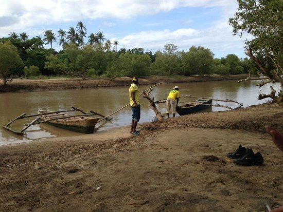 African Dream Cottages: Great day boattrip on Congo river.Don't forget to ask Bianca !!