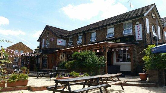 The Fusilier Inn: Pub em baixo e quartos em cima... som ao vivo todas as noites.