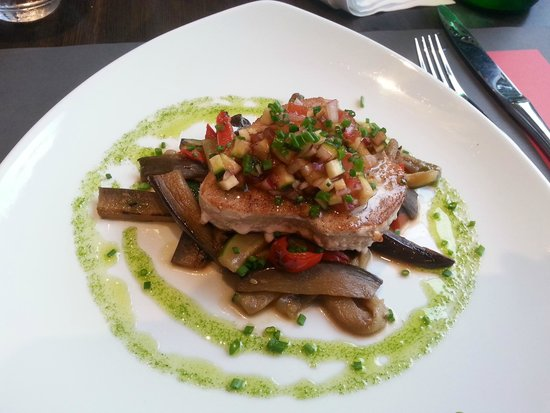 Mercure Bordeaux Lac: Tuna steak in Brasserie 33