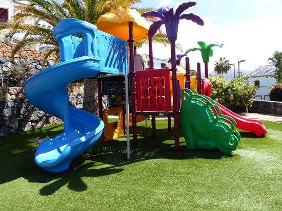 Hotel Suite Villa María: play area