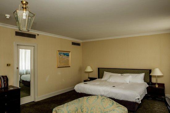 Parmelia Hilton Perth: room