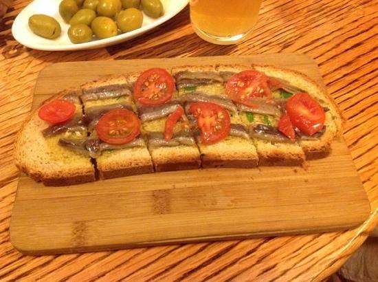 La Tranca: Bruschetta with anchovies