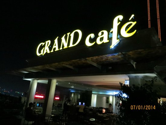 Grand Hotel Saigon : Rooftop bar