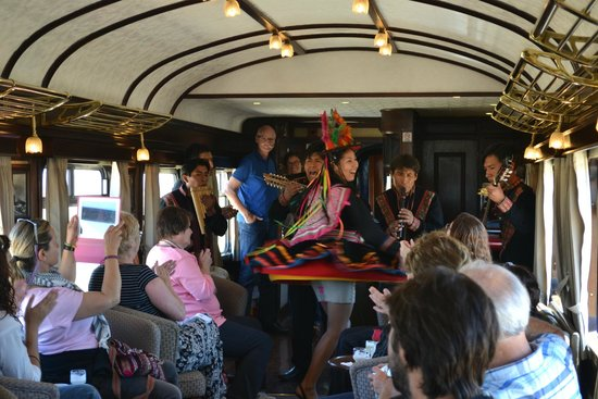 PeruRail - Titicaca: Baile